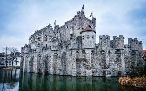 Gravensteen in water